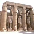 ルクソール神殿  アメンホテプ三世の列柱廊