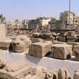 ルクソール神殿 過去の遺産と現在の住処