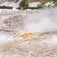 硫黄が吹きだすフレグレイ平原